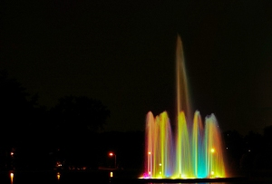 beautiful-color-fountain-photography-rainbow-Favim